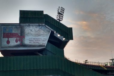 Uno dei murales sullo stadio Libero Liberati di Terni in solidarietà alle vittime del golpe del 1973 in Cile
