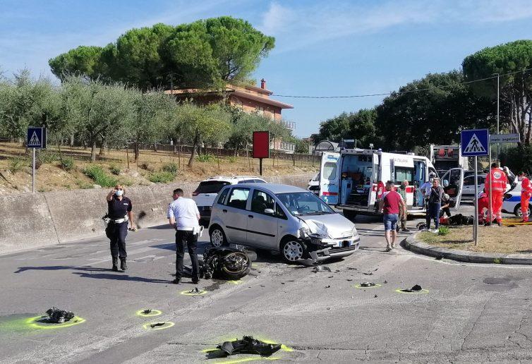 Un incidente davanti all'istituto Giordano Bruno di Perugia